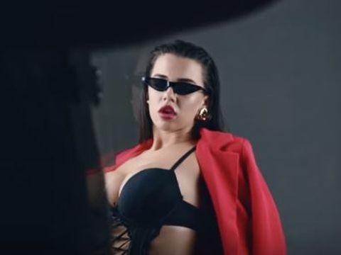 Adevărul despre imaginile compromițătoare cu Andra de la Puterea Dragostei! Videoclipurile cu iubita lui Bogdan Mocanu au strâns mii de vizualizări