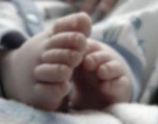 """Și-au ucis în bătaie bebelușul de nouă luni! Dezvăluiri șocante: """"Îl lovea cu palmele peste faţă, cu o vargă, îl izbea de pat ori de perete"""""""