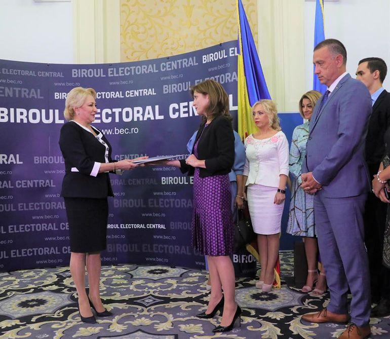"""Viorica Dăncilă şi-a depus candidatura la alegerile prezidentiale: """"Nicio mamă să nu-i fie frică că nu primeşte alocaţie"""""""