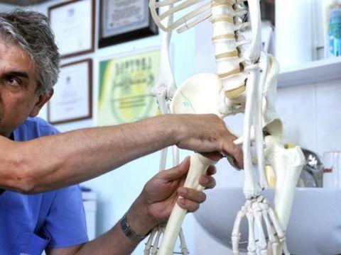Gheorghe Burnei s-a angajat la clinica fiului său și tratează copii! Ce s-a întâmplat ieri, la Tribunal, în dosarul de luare de mită