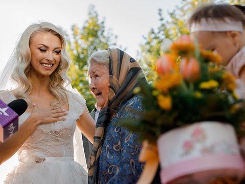 """Andreea Bălan, fotografii emoționante cu bunica ei prezentă la nuntă: """"Mamaia mea iubită, puternică și minunată"""""""