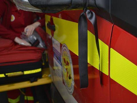 Caz șocant. Doi bărbați au căzut de la etajul cinci al unui bloc din Baia Mare! Unul dintre ei a murit