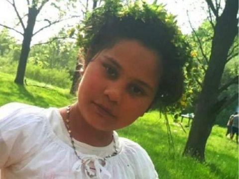 Imagini cutremurătoare! Ce se întâmplă în aceste momente acasă la Mihaela, fetița de 11 ani din Dâmbovița, ucisă de pedofilul olandez