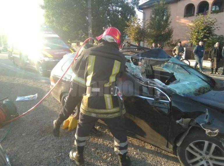 Un bărbat cu două dosare penale pentru conducere fără permis s-a urcat beat la volan și a provocat un grav accident!