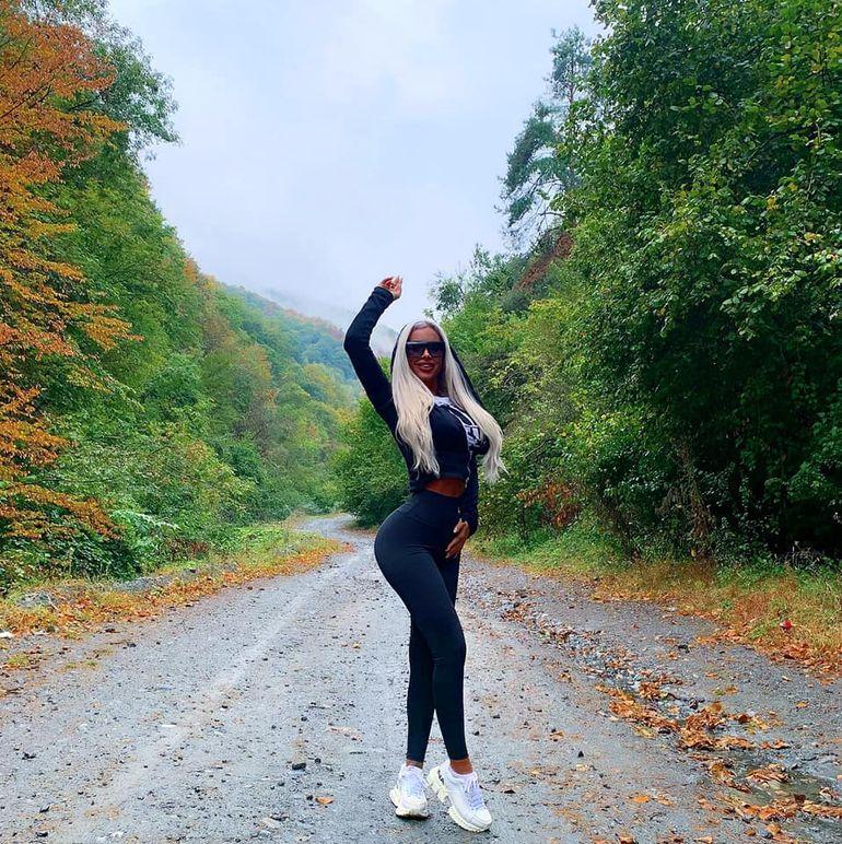 """Secretul fundului bombat al Loredanei Chivu! Cum a ajuns blonda să aibă cel mai sexy """"popou"""" din România"""