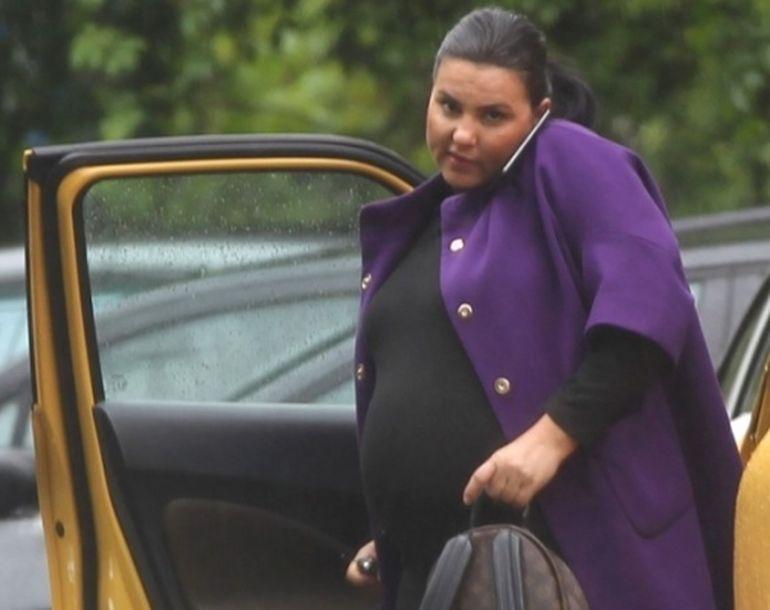 Lavinia Pîrva avea în primăvară cu 20 kg în plus! După ce a născut, a slăbit enorm! Acum îmbracă haine sport | VIDEO EXCLUSIV