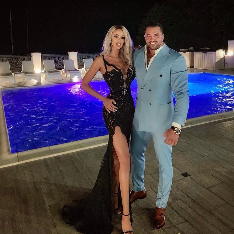 E incredibil ce fac Bianca Drăguşanu şi Alex Bodi la miezul nopţii! Cei doi trag împreună de fiare!