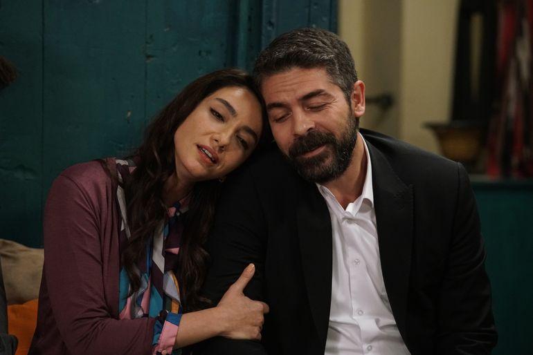 """Öykü Gürman, """"Asiye"""", din serialul """"Lacrimi la Marea Neagră"""", o artistă completă"""