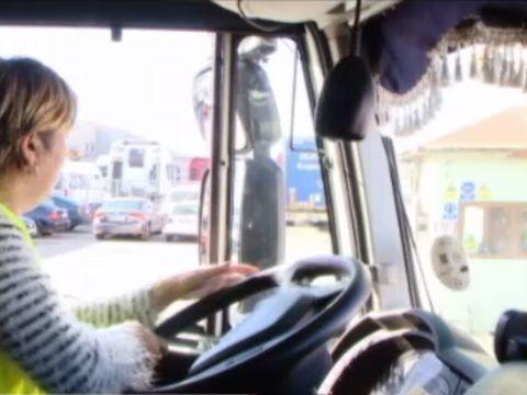 Marcela a lucrat la o grădiniță, acum e șofer de TIR și cutreieră Europa! Câți bani a ajuns să câștige