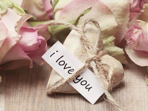 Citate dragoste. Cele mai frumoase declarații de iubire ale vedetelor