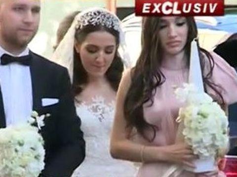 Prima fotografie cu rochia de mireasă a fiicei lui Gigi Becali! Teodora radiază de fericire în ziua nunții