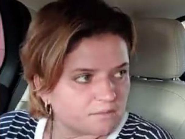 Secretul cruciulițelor pe care le poartă la gât mama Alexandrei Măceșanu! De ce le ascunde sub bluză