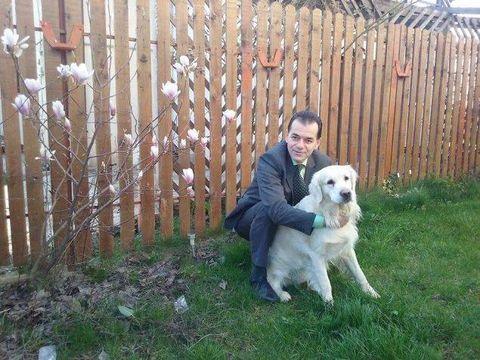 Ludovic Orban are o casă lângă București! Cum arată grădina plină de flori a premierului desemnat
