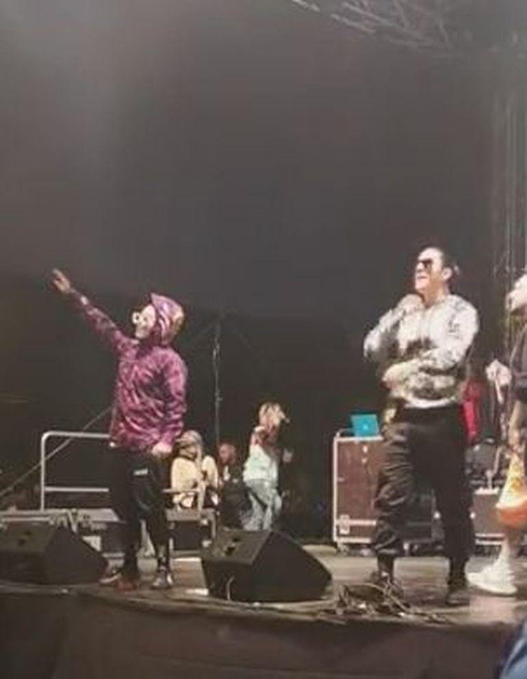 Prima apariție a lui Lino Golden pe scenă după ce s-a spus că a  fost împușcat la un concert! Cum a reacționat cântărețul la atitudinea publicului de la Sărbătorile Iașiului!