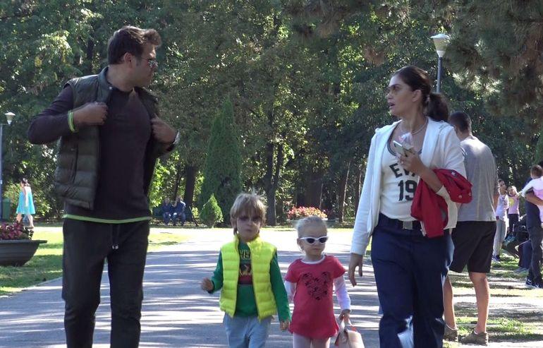 Primele imagini cu Alina Pușcaș, după căsătoria secretă! Când ești mamă cu trei copii, luna de miere o petreci în parc!