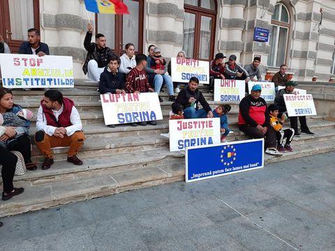 Proteste în toată țara pentru Sorina, înainte de procesul pentru anularea adopției