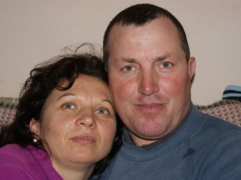 Un bărbat din Vaslui și-a ucis cu sânge rece soția abia întoarsă acasă din străinătate, apoi a sunat la 112 să anunțe decesul. De ce a recurs la acest gest