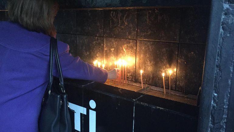 Primele imagini cu sicriul lui Mihai Constantinescu! Momente dramatice: trupul artistului a ajuns la biserică