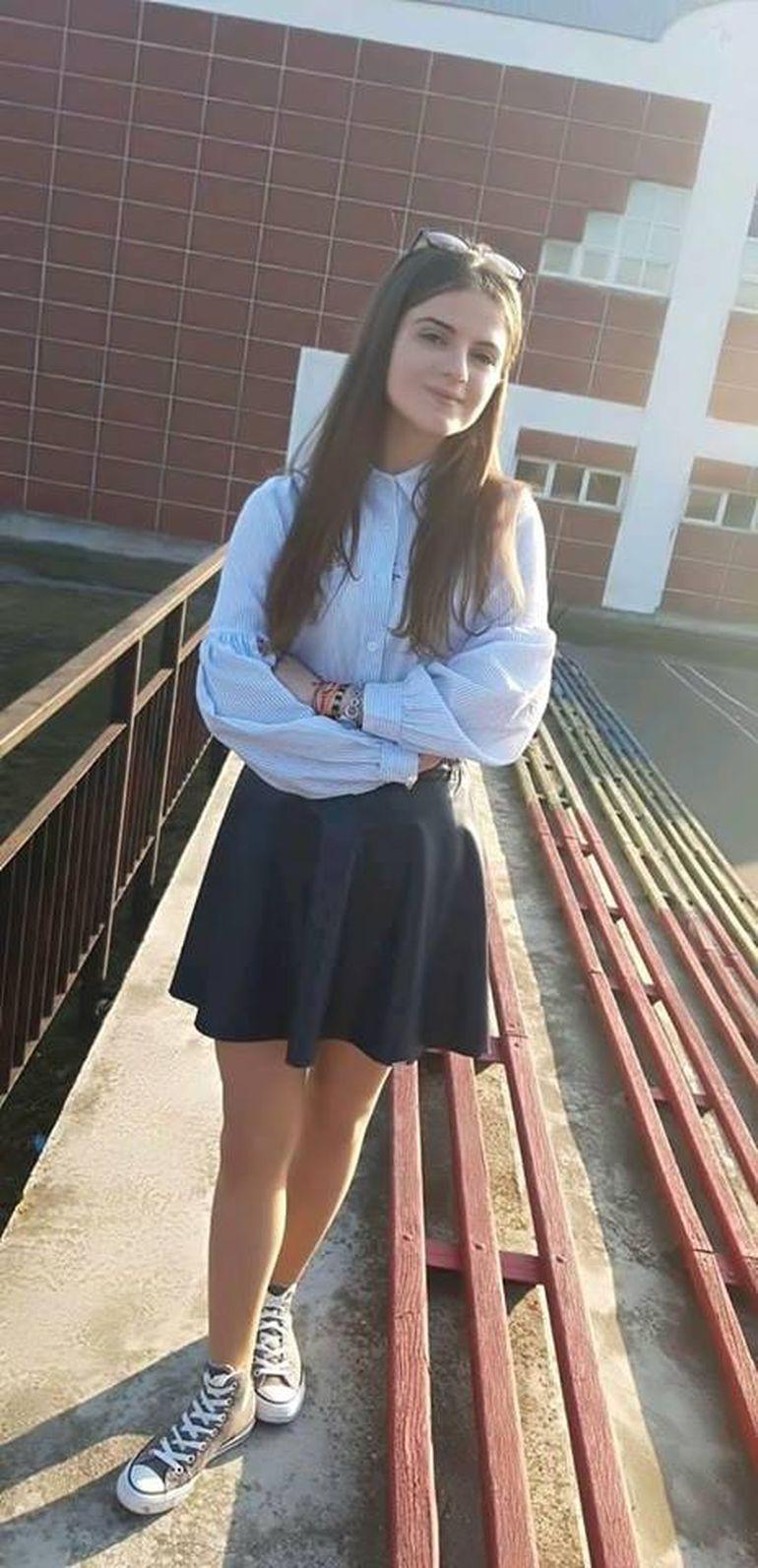 Ce se întâmplă ACUM cu fetele din liceul Alexandrei Măceșanu! Victima lui Gheorghe Dincă ar fi trebuit să fie clasa a X-a la un liceu din Caracal