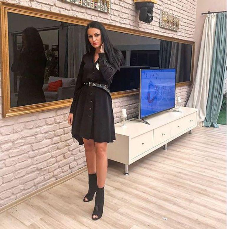 Manuela de la Puterea Dragostei și-a arătat chiloții într-un video