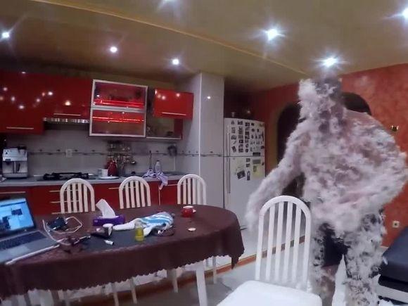 """Imagini halucinante cu Nelson Mondialul! """"Stau ca vulturul pe stâncă"""" VIDEO"""