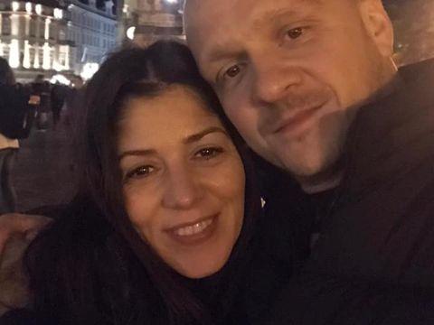 """Fosta soție a luiRăzvan Simion, prima declarație despre actualul iubit! Cei doi au fost împreună într-o vacanță la Praga! """"A fost ziua lui și am sărbătorit acolo"""" ! Imagini exclusive"""