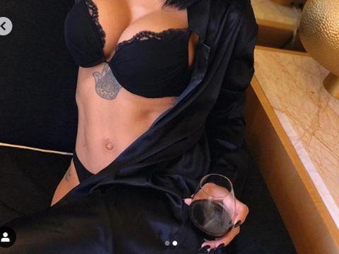 """Adelina Pestrițu i-a făcut o surpriză sexy soțului de ziua lui de naștere și s-a pozat pe Instagram: """"Cred că a făcut infarct"""""""
