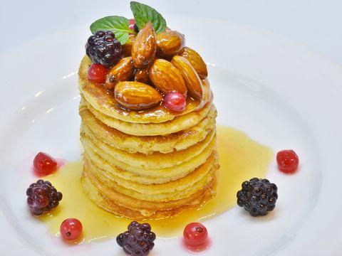Rețetă simplă de clătite cu dovleac. Un desert parfumat și delicios