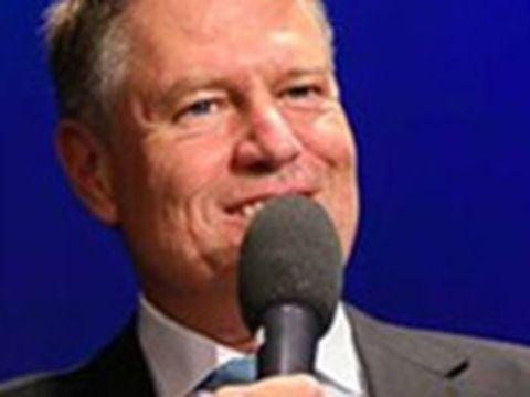 """Iohannis a primit un ceas de 40.000 euro, de două ori mai scump decât al Vioricăi Dăncilă! Președintele nu l-a purtat niciodată! Ce s-a întâmplat cu """"bijuteria""""?"""