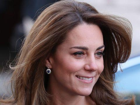 Kate Middleton și Prințul William demonstrație de afecțiune în public care încalcă protocolul regal! Ce va spune Regina despre aceste imagini