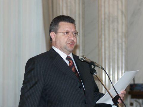 A murit fostul ministru Bogdan Niculescu Duvăz