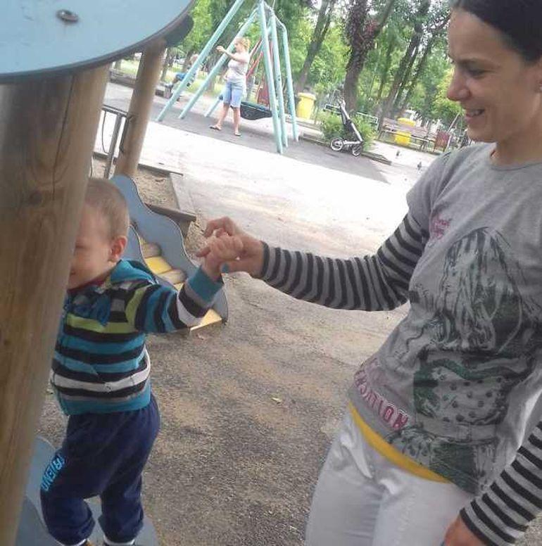 Crina, tânăra care a murit la Timișoara are o poveste de viață incredibilă. A supraviețuit ca om al străzii, dar sfârșit când credea că și-a găsit fericirea