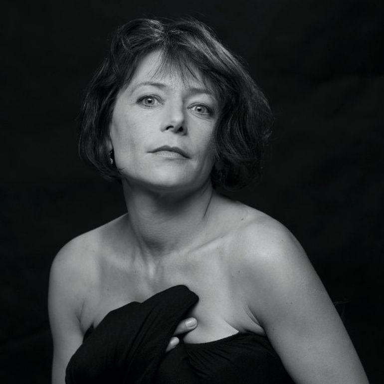 """Florin Zamfirescu a luat-o peste picior pe actriţa Cătălina Mustaţă, fosta lui soţie: """"Nu are nici un prieten? Nimeni nu-i urează nimic? O să-i urez eu casă de piatră la cei 52 anișori ai ei!"""""""