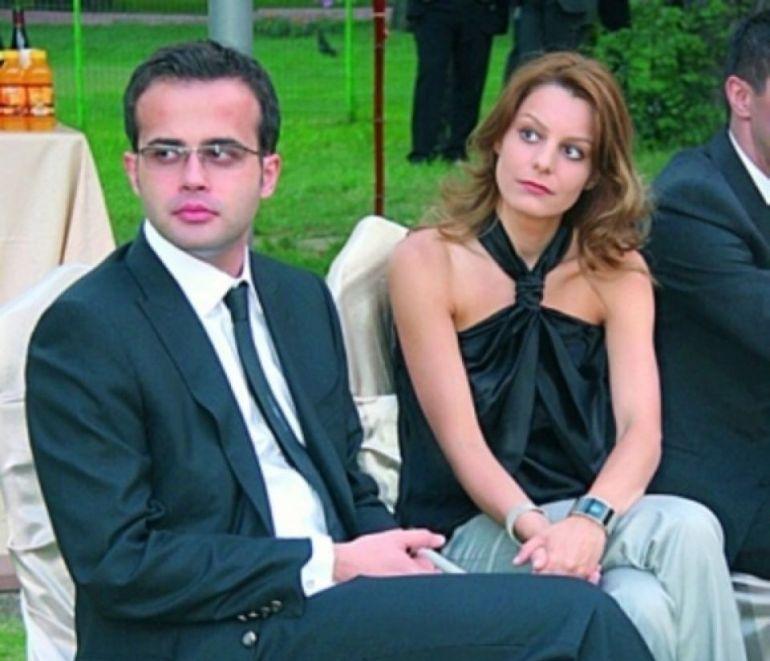 Soţia lui Mihai Gâdea arată senzaţional! Din fotografii, poţi să juri că Agatha este sora fiicei sale adolescente!