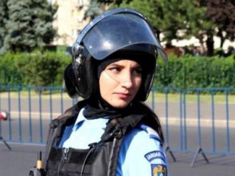Jandarmerița Ștefania a dat în judecată Jandarmeria Română