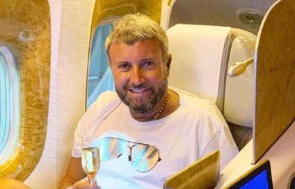 Catalin Botezatu, cadou fabulos de ziua lui! Cum arata ochelarii de aur care costa 40.000 de lei