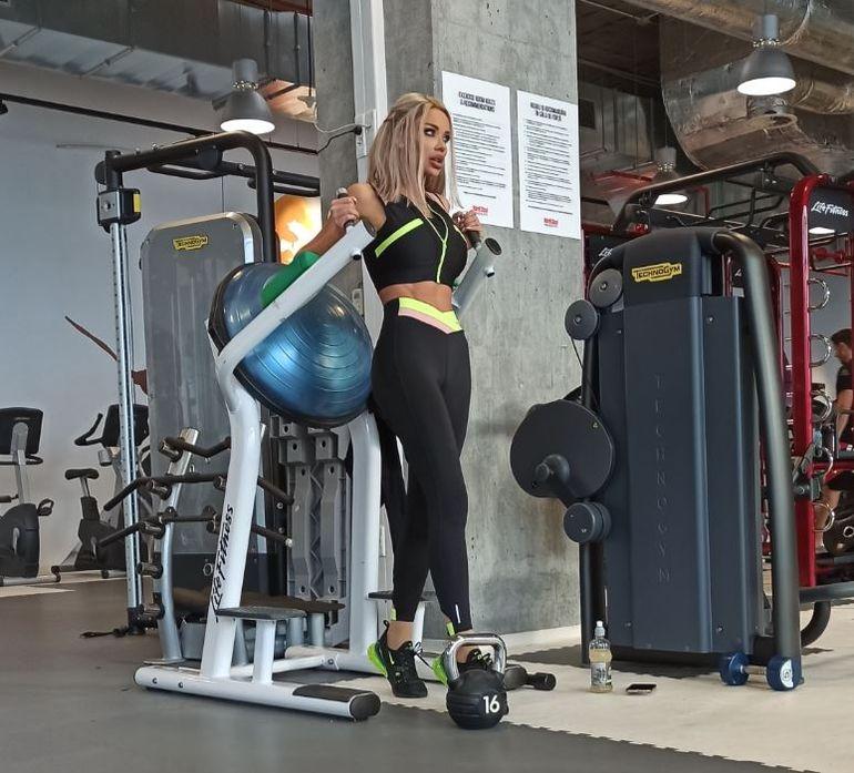 Imagini de infarct la sala de sport! Bianca Drăgușanu n-a arătat niciodată atât de bine! Ce ținută a purtat VIDEO EXCLUSIV