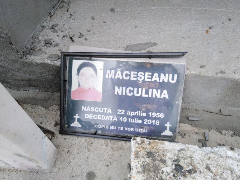 Ce a apărut la mormântul Alexandrei Măceșanu? Tatăl fetei a adus fotografia mamei lui, care a murit în iulie 2018, după ce a fost mușcată de o insectă FOTO EXCLUSIV