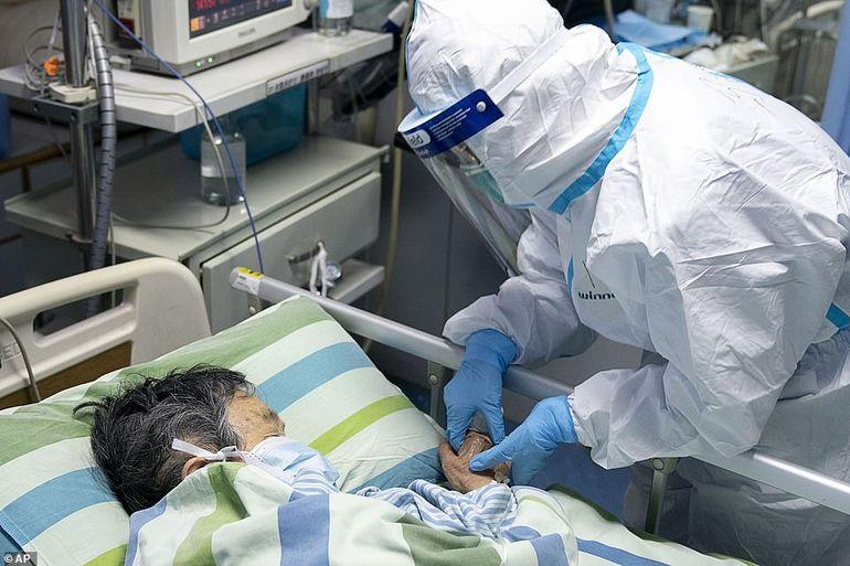"""Mărturiile șocante ale unei asistente care a tratat bolnavi de coronavirus, în China: """"Nu sunt doar 1,975 de oameni infectați, ci 90,000"""""""