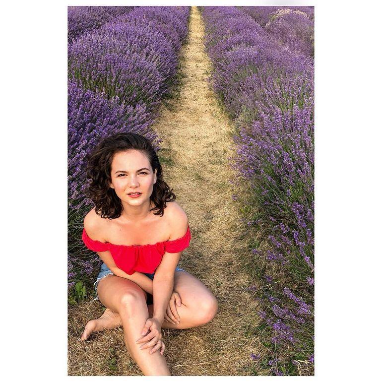 Ce sexy e actriţa româncă care a jucat în două filme premiate cu Oscar în 2020! Uite cum arată Diana Pocol în costum de baie!