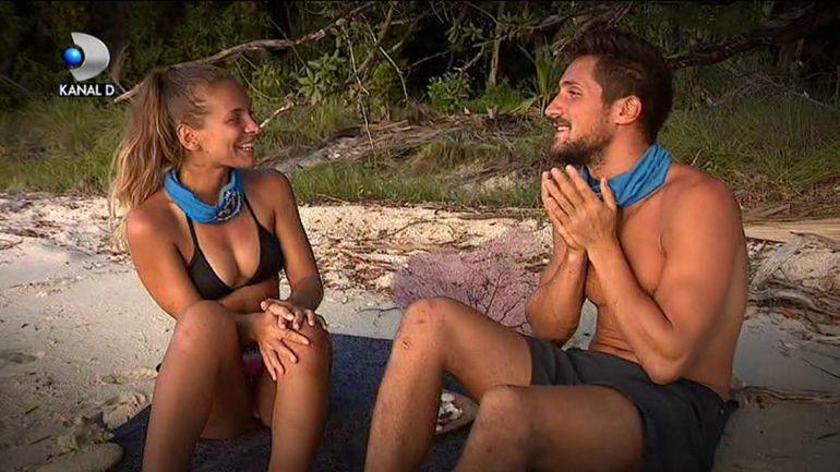 Andrei și Karina de la Survivor România, sărut pasional! Cei doi au fost surprinși în ipostaze tandre