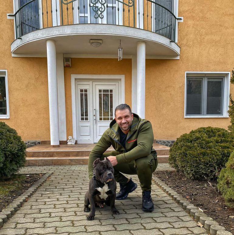 """Alex Bodi are mai multă încredere în căţei decât în oameni: """"Înconjoară-te de câini, nu de javre"""""""