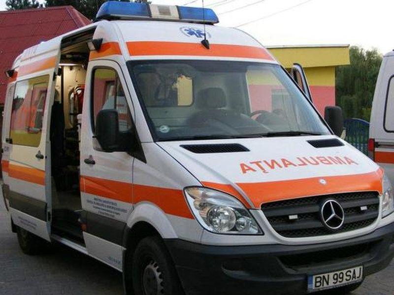 Un copil de 2 ani din Constanța a căzut de la etajul doi al unui bloc