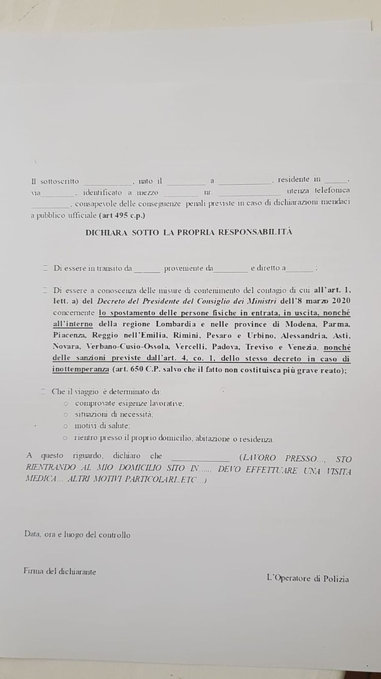 """O româncă din Italia spune adevărul despre """"crucile negre"""" de pe casele celor îmbolnăviți de coronavirus! Cum au procedat autoritățile italiene împotriva epidemiei și ce riscă persoanele care nu respectă carantina"""