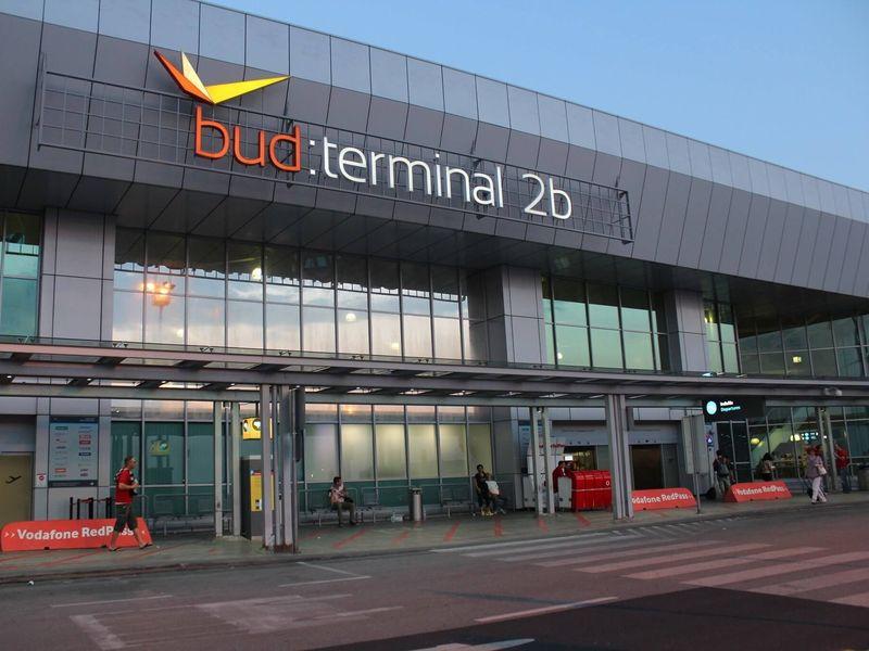 Călătorii români refuzaţi în Ungaria!