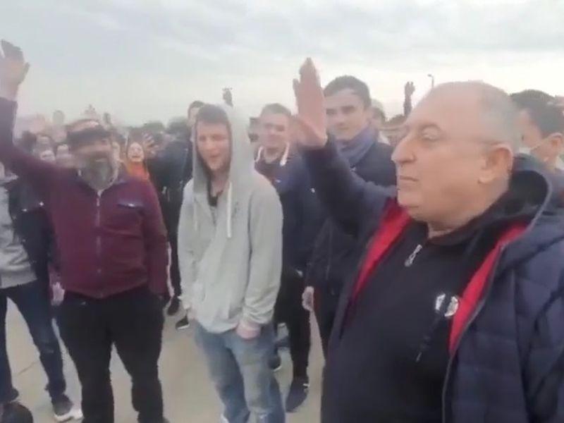 Mii de români sunt blocați la granița dintre Austria și Ungaria