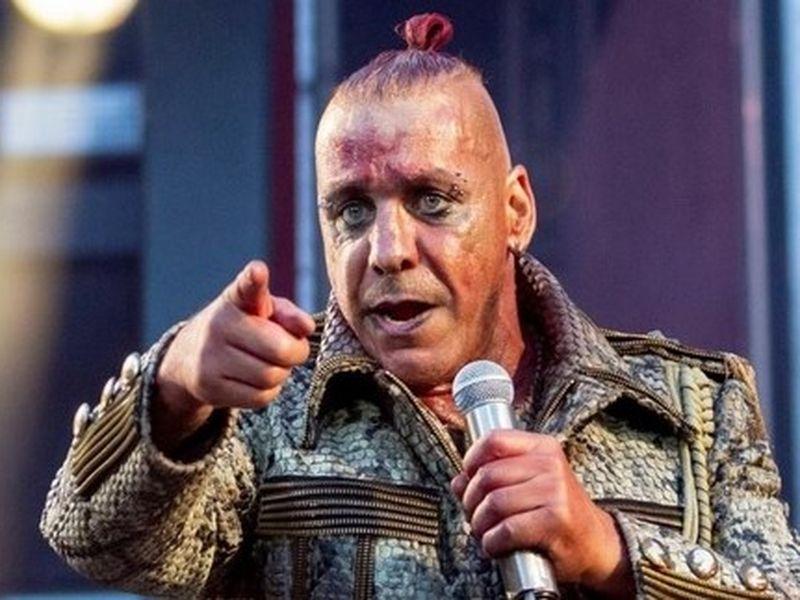 Vești proaste pentru fanii trupei Rammstein. Till Lindmann se află în stare critică. Artistul a fost infectat cu COVID-19