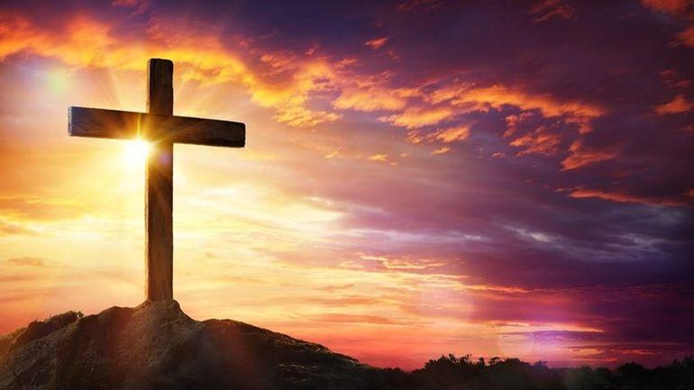 Tot ce trebuie să știi despre Paște! Ce trebuie să faci în Săptămâna Patimilor, ce rugăciuni trebuie să spui zi de zi! Ce trebuie să faci în Noaptea Sfântă a Învierii și cum să ai sufletul curat! Sfaturi practice de la preoți