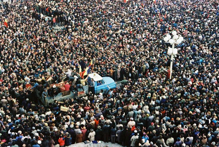 """Fotograful Revoluției de la Timișoara, umilit de un polițist! """"Ți-am spus că ești nesimțit! Mai ești și obraznic"""""""