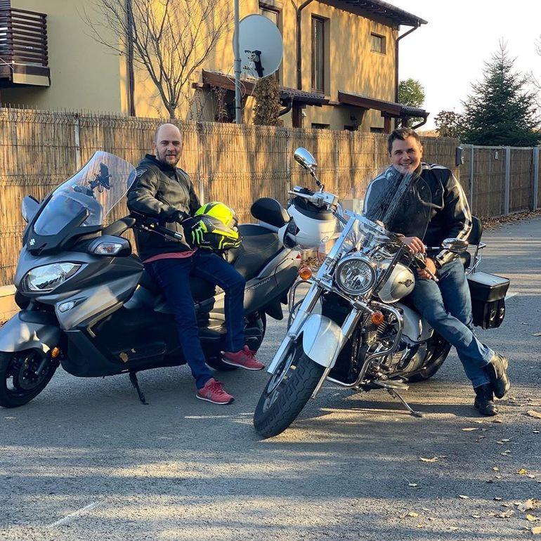 Rivali la televizor, dar prieteni pe motor! Cosmin Seleși și Cove abia așteaptă să dea o tură cu motoarele împreună FOTO